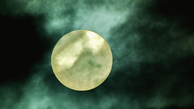 Wolken als Sonnenfilter