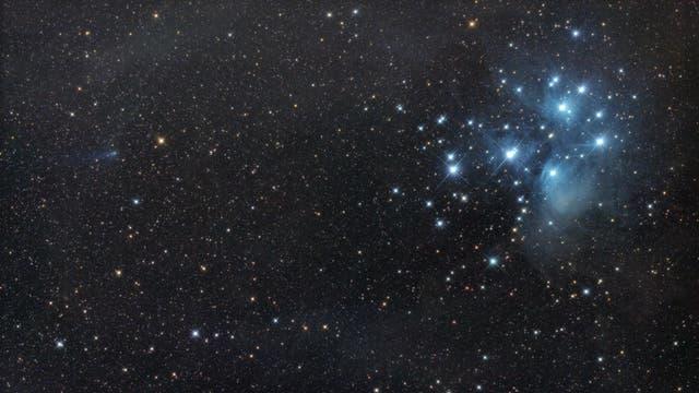 Komet C/2016 R2 PANSTARRS begegnet den Plejaden