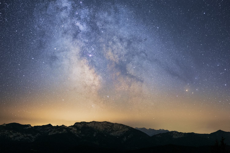 Milchstraßenzentrum über den Alpen