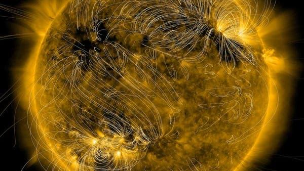 Magnetfeldlinien in der Korona