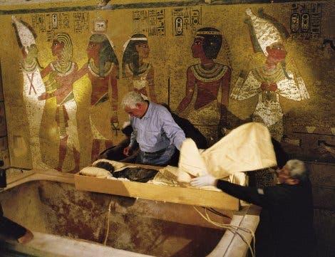 Untersuchung der Mumie