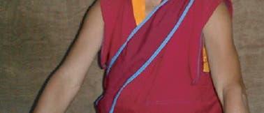 Meditierender Mönch beim Test
