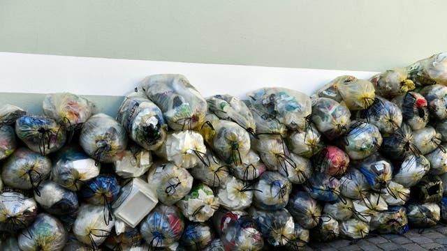 Gelbe Säcke: Hohe Recycling-, niedrige Mehrwegquote