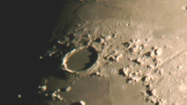 Die Wallebene Plato auf dem Mond
