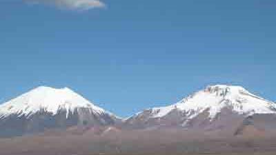 Vulkane in bolivianischen Anden