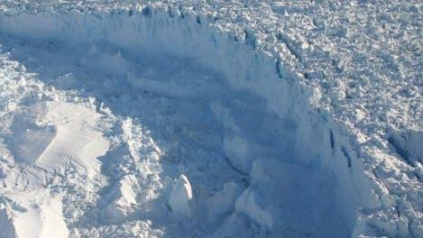 Kalbender Gletscher, Südost-Grönland