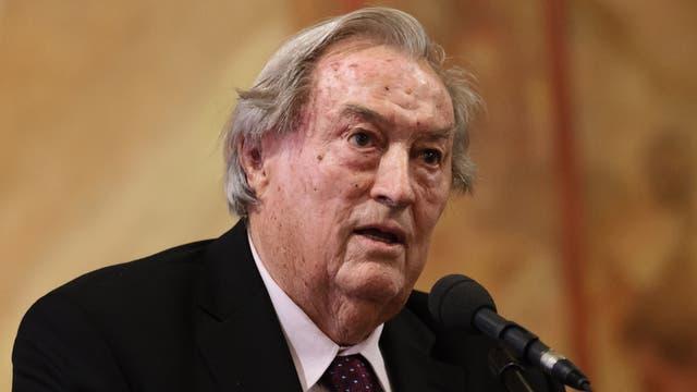 Richard E. F. Leakey, geboren 1944 in Nairobi als Sohn der Paläoanthropologen Louis S. B. und Mary D. Leakey, begleitete schon als Kind seine Eltern bei Ausgrabungen und fand wertvolle Fossilien.