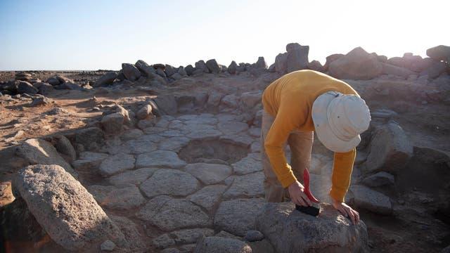 Ausgrabungen an einer Feuerstelle in Jordanien