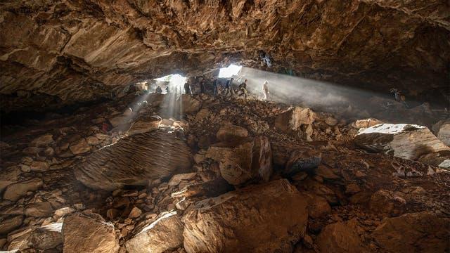 Abstieg in die Chiquihuite-Höhle