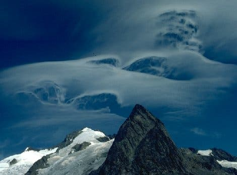 Über dem Jungfraumassiv