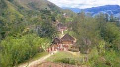 Dorf der Wolimbka im westlichen Hochland von Papua-Neuguinea