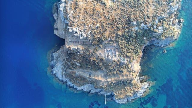 Kultbauten auf Felseneiland