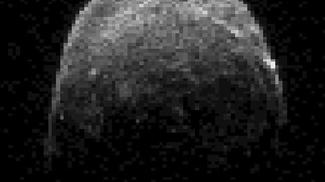 Asteroid 2005 YU55 im Radarbild