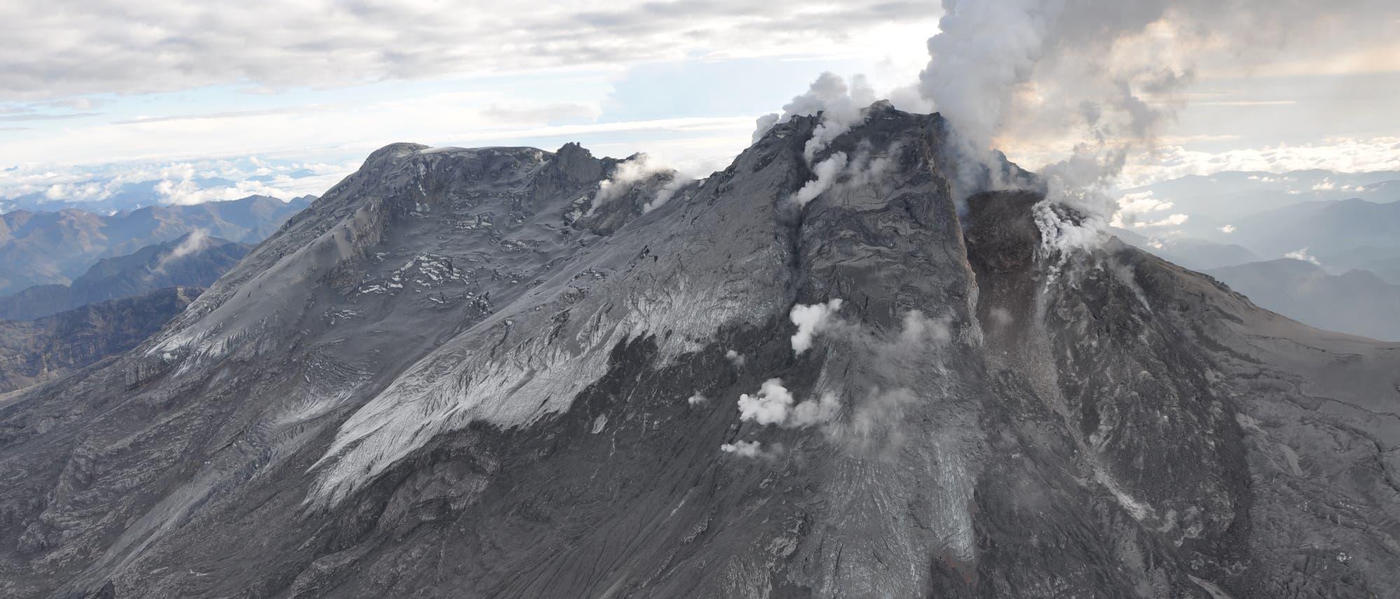 Der Vulkan Nevado del Huila in Kolumbien