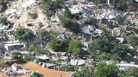 Massenrutschungen ausgelöst durch das Beben mit einer Magnitude von 7,0.