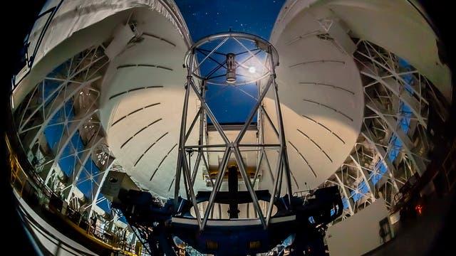 Mit dem am Gemini South Telescope montierten Gemini Planet Imager (GPI) wollen Astronomen große Gasplaneten bei anderen Sternen sichtbar machen.