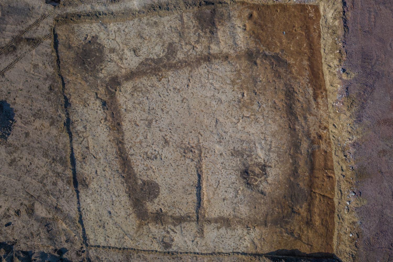 Umriss der Totenhütte der Baalberger Kultur