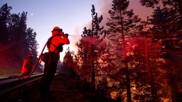 September 2020: Ein Feuerwehrmann kämpft gegen Waldbrände unweit von Los Angeles