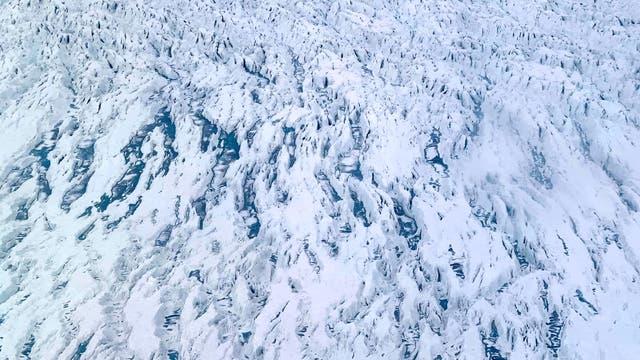 Schmelzwassertümpel auf Grönlands Gletschern