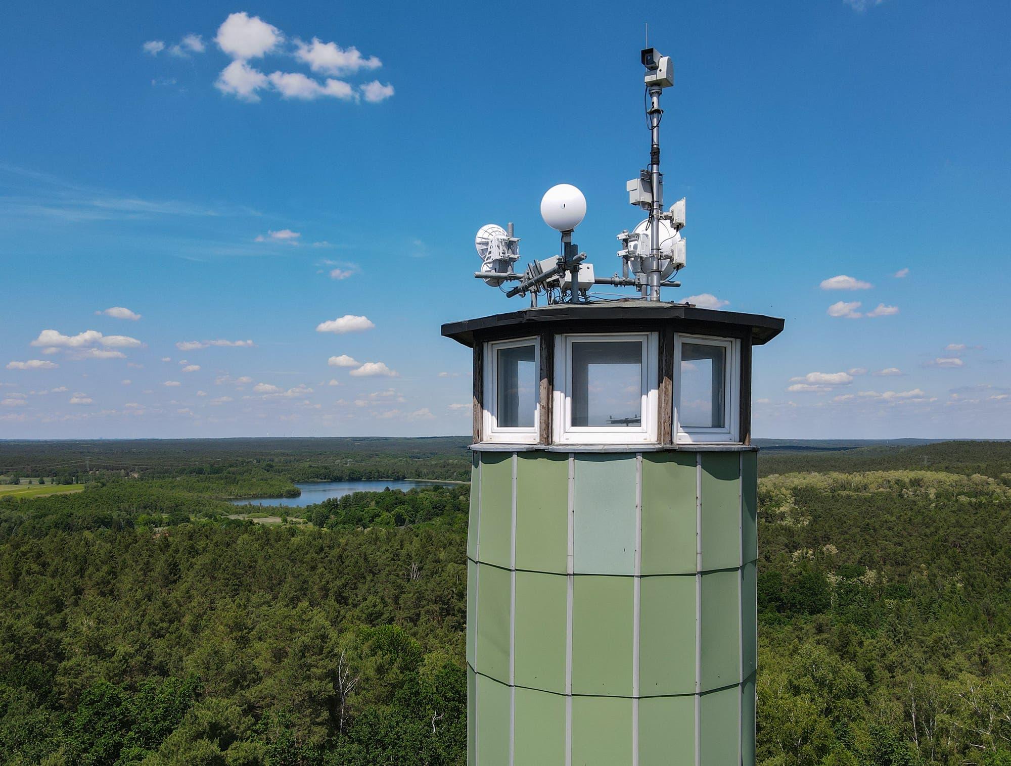 Der Feuerwachturm »Zesch« nahe Wünsdorf  in Brandenburg