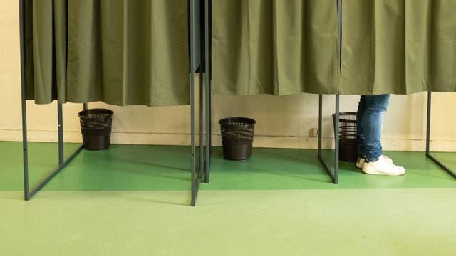 In einer Wahlkabine