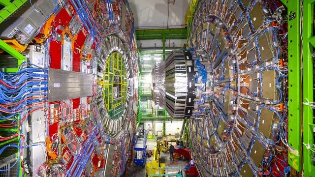 Ein Teil des Large Hadron Collider (LHC) ist unterirdisch im französischen Teil des CERN zu sehen.