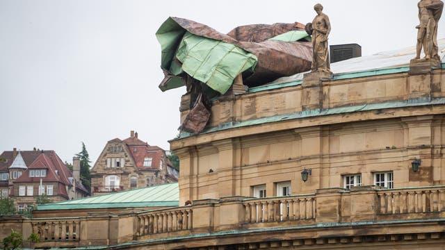 Schäden am Dach des Opernhauses Stuttgart.