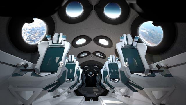 Der britische Milliardär Richard Branson will bereits am 11. Juli 2021 an Bord solch eines Virgin-Galactic-Raumschiffs ins All reisen.