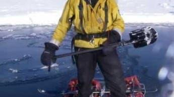 Auf umgebauten Schlitten durchs Eismeer