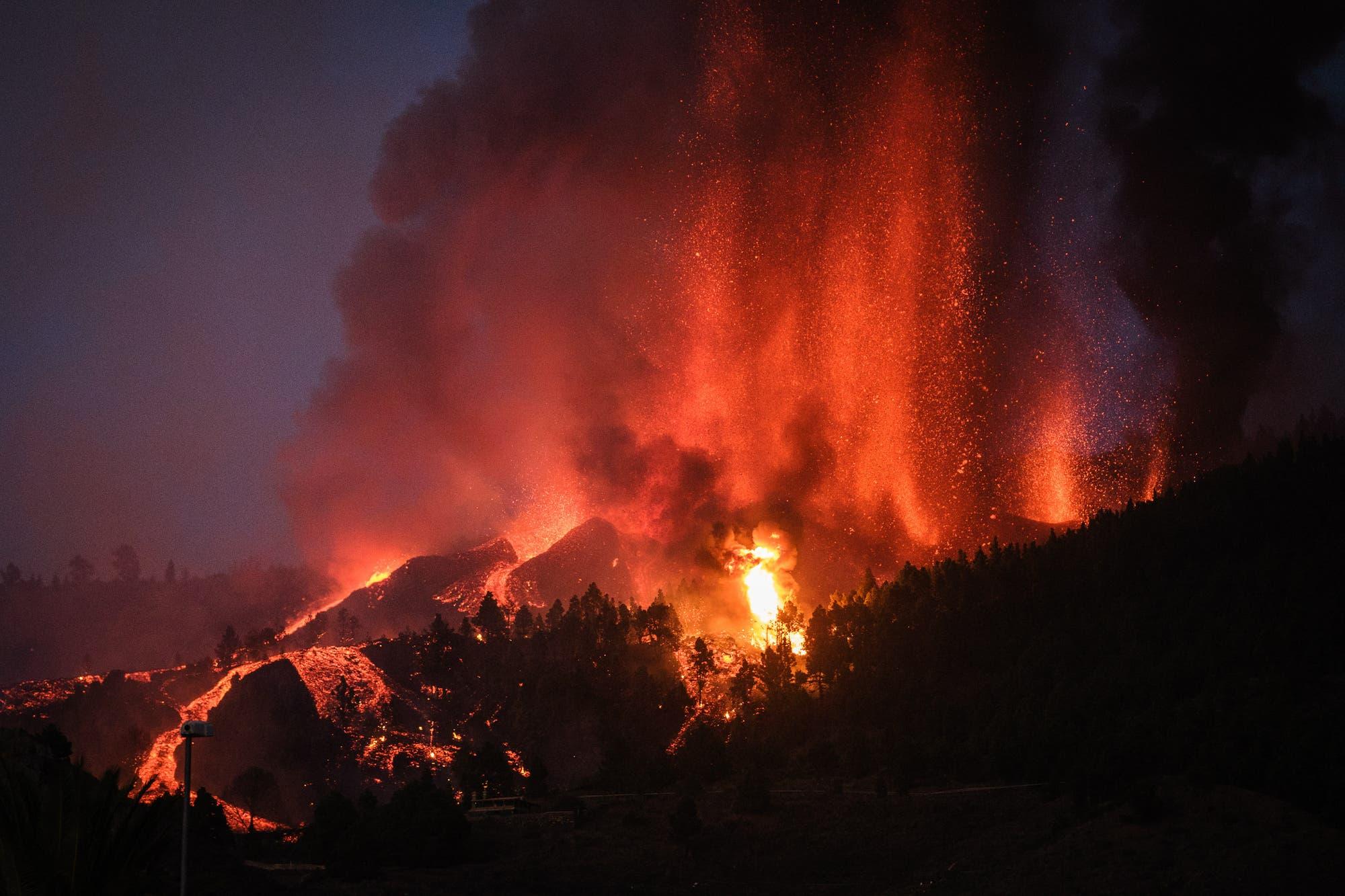 Feuerfontäne in der Cumbre Vieja