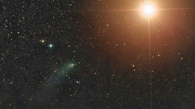 Komet Siding Spring bei Mars