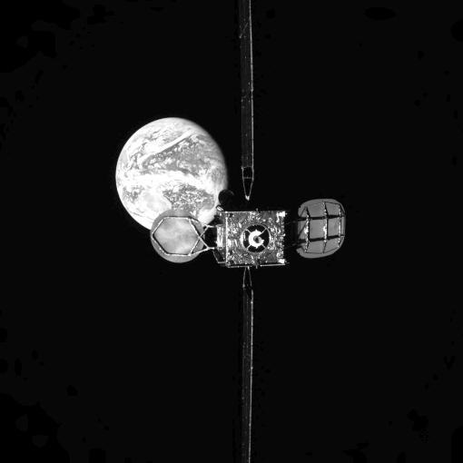 Intelsat 901 im Orbit über der Erde, Bild vom MEV