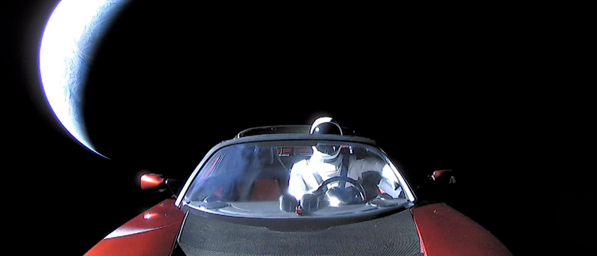 Der »Starman« vor der Erdsichel