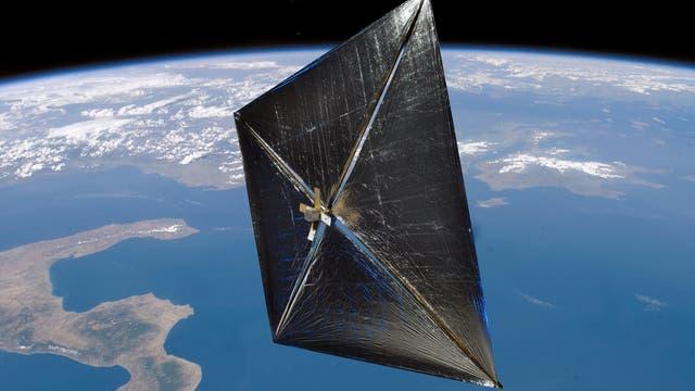 Dünn und flach. Ein interstellares Sonnensegel sieht in etwa so aus wie dieses Demonstrationsexperiment der NASA (Solar Sail Demonstrator). Die Seitenlänge beträgt 37 Meter.