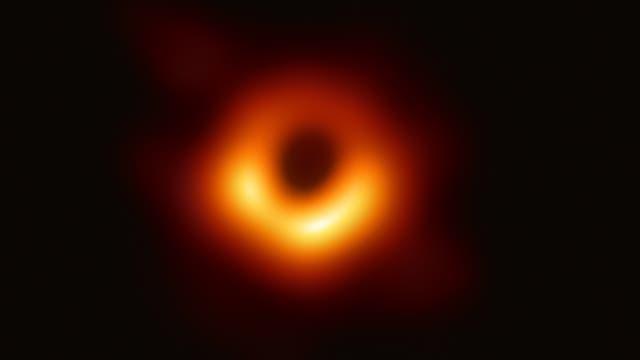 Wie werden Schwarze Löcher sichtbar?