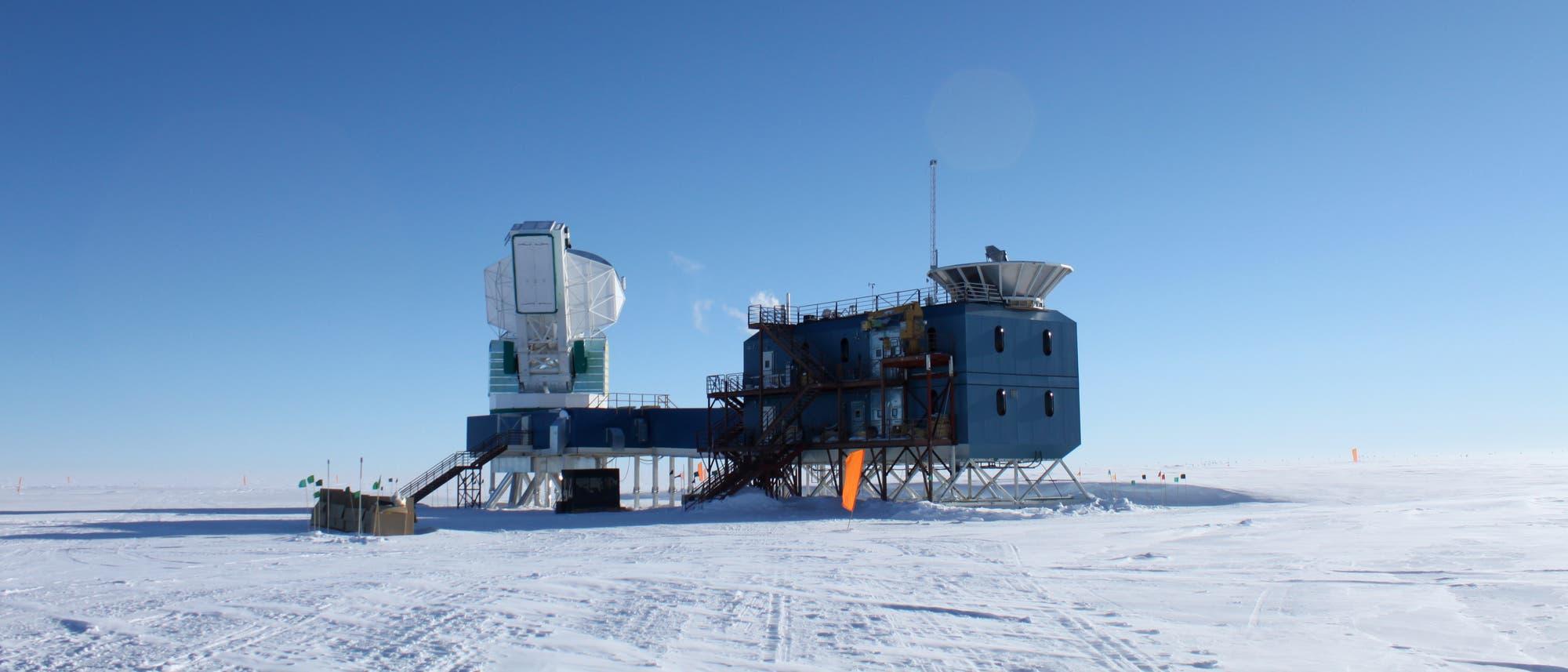 Das South Pole Telescope - Seine Messungen könnten über das Schicksal der Theorie von der frühen dunklen Energie entscheiden.
