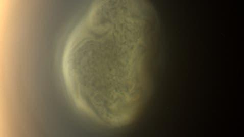 Ein Wolkenwirbel am Südpol von Titan