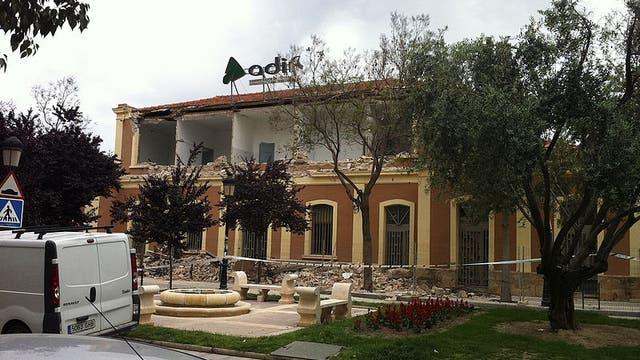 Zerstörtes Bahnhofgebäude in Lorca