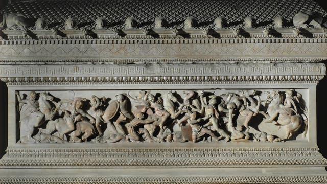 Kampf zwischen Griechen und Persern: Das Relief ziert den so genannten Alexandersarkophag aus Sidon, um 325 v. Chr.