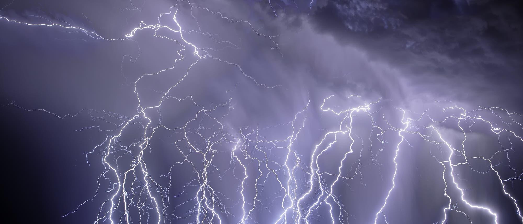 Blitze in den Rincon Mountains