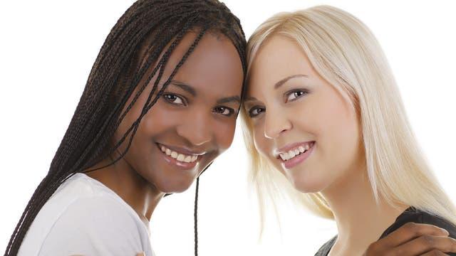 Menschen mit Hautfarben