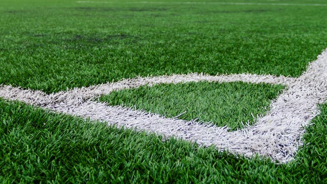 Kunstrasen-Fußballfeld