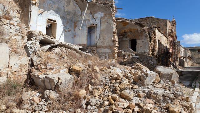 Erdbebenruine in Sizilien