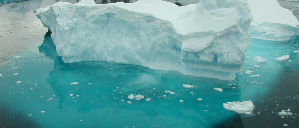 Gefrorenes Wasser in der Antarktis