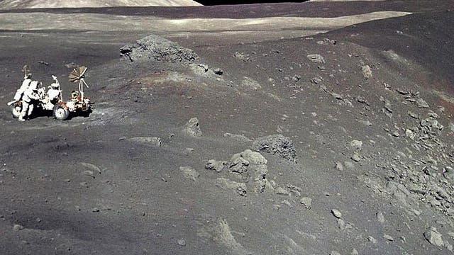 Einschlagkrater auf dem Mond
