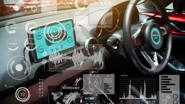 Das allwissende Auto fährt mit zahlreichen Sensoren