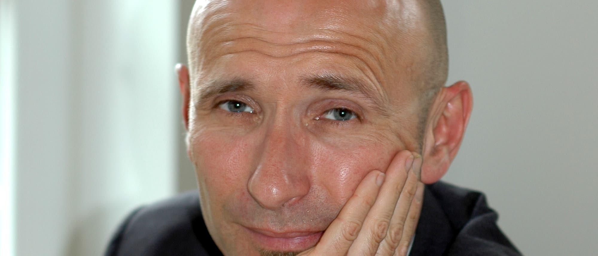 Axel Kobelt, geboren 1964, ist habilitierter Psychologe und  Verhaltenstherapeut.