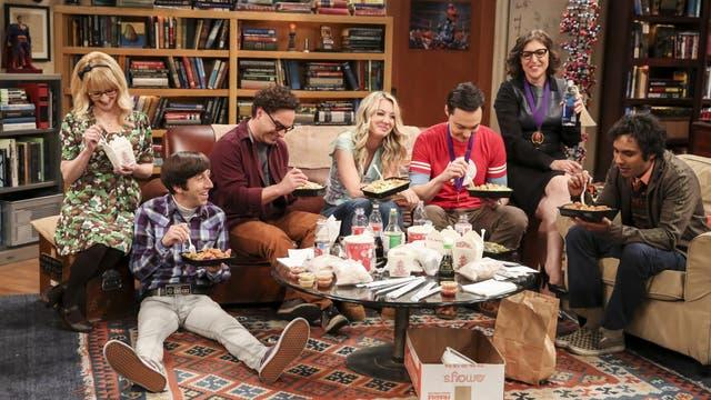 Die Big-Bang-Theory-Gang beim Chillen auf der WG-Couch