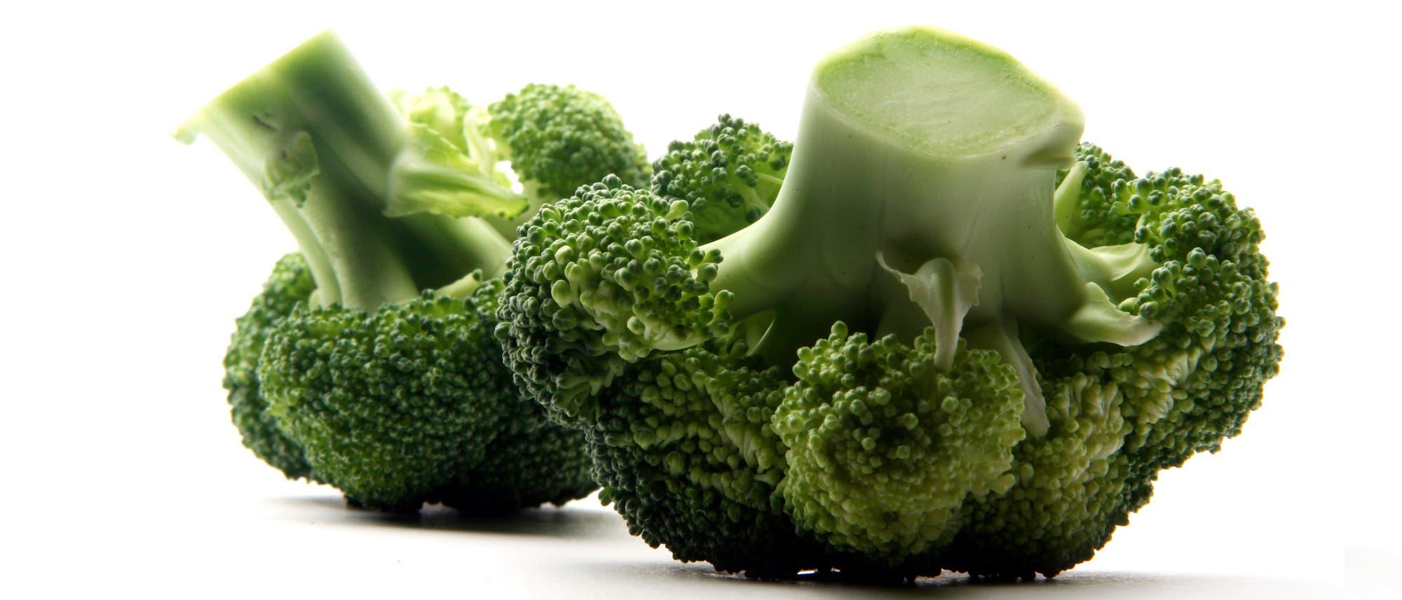 Zwei kleine Brokkoli