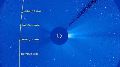 Die Bahn des Kometen McNaught im SOHO-Koronographen